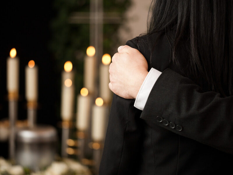 Funeral or Cremation? Which Is Best for You?